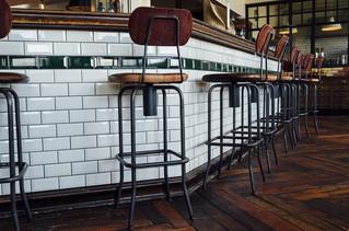 Barras de bar de estilo vintage...irresistiblemente bellas