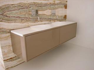 Diseño de lavabos para el baño en solid surface