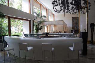 Diversas aplicaciones del solid surface en decoración y elaboración de mobiliario