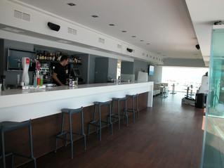 Barras de bar modernas. ¿De qué elementos se compone?