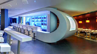 Solid Surface. Diferentes diseños de barras para bares o restaurantes.