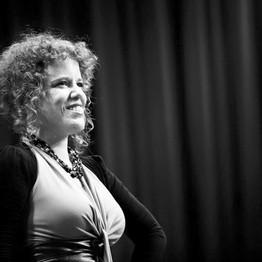 על הדרך החיננית משירת אופרה ליידיש ולעלובי החיים - ראיון עם חן לקס