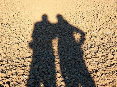 """נתינה, קבלה, ו""""לקיחה"""" – מיני טרגדיות יומיומיות בחיי זוג"""