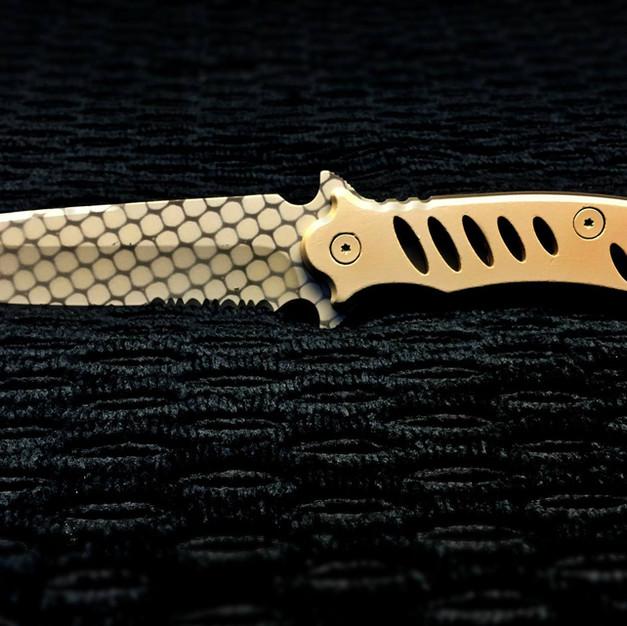 Custom Camo Knife.jpg