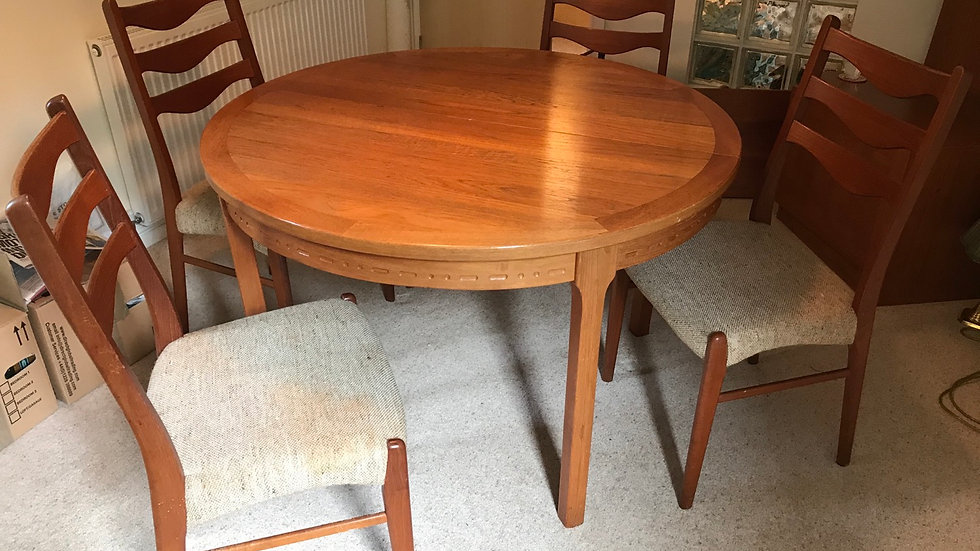 NILS JONSSON TROEDS MID CENTURY SWEDEN EXTENDING DINING TABLE & CHAIRS