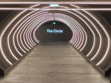 Mitarbeiter der Artensis AG treffen im Circle am Flughafen Zürich ein