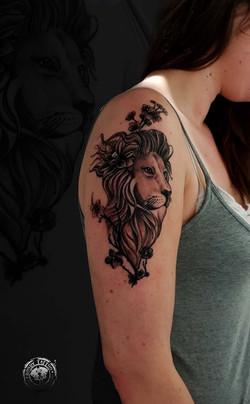 #lion #tatouagerennes #tatoueur #photo #artistetatouer #photographer #tattooartist #tatoueurrennes #