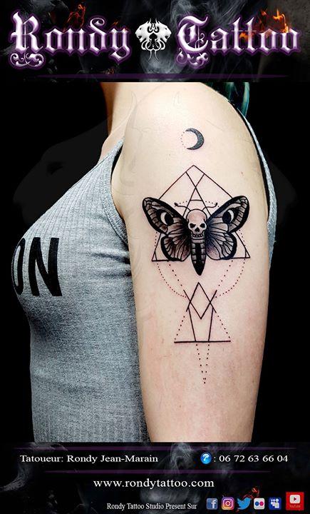 #papillon de #nuit #flash #tattoo   #idée #tattoorennes #tatoueur #artistetatouer #tattooartist #tat