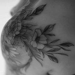 #pivoines #flowers #fleurs #monochrome #