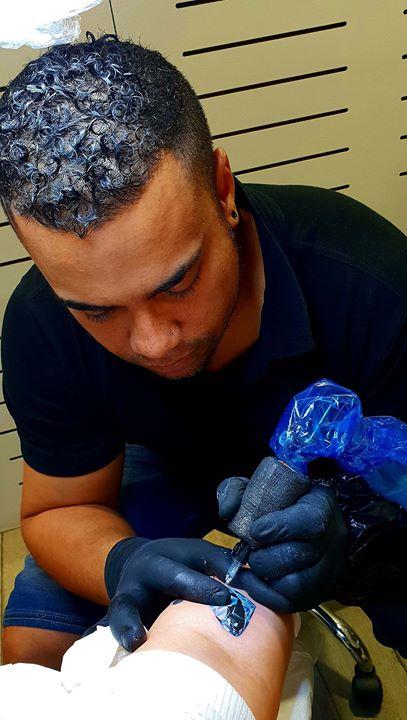 in progress diamant tattoo réaliste #diamanttattoo #bijoux  #bishoprotary #worldfamousink #tatouager