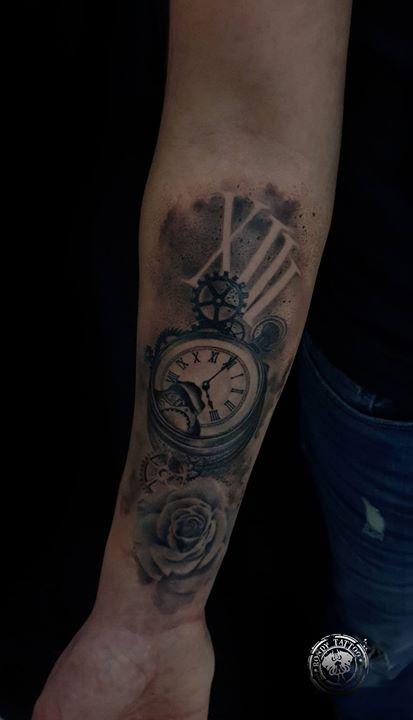 #Horlogetattoo - www.rondytattoo