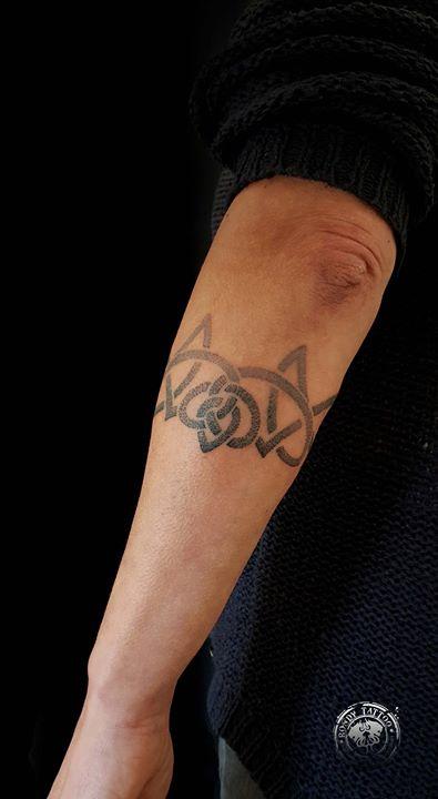 #bracelettattoo #bishoprotary #worldfamousink #tatouagerennes #tatoueur #photo #artistetatouer #phot