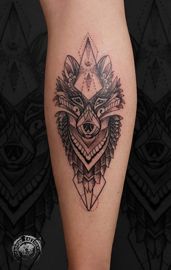 #loup #tattoo #bishoprotary #worldfamousink #tatouagerennes #tatoueur #photo #tattooartist #tatoueur