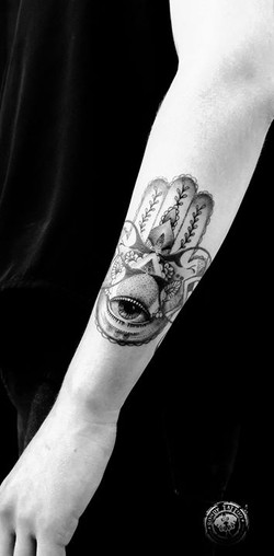 Main de fatma tattoo - www.rondytattoo