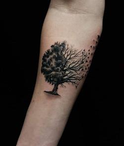 #arbre #bride #realismtattoo #tatouagere