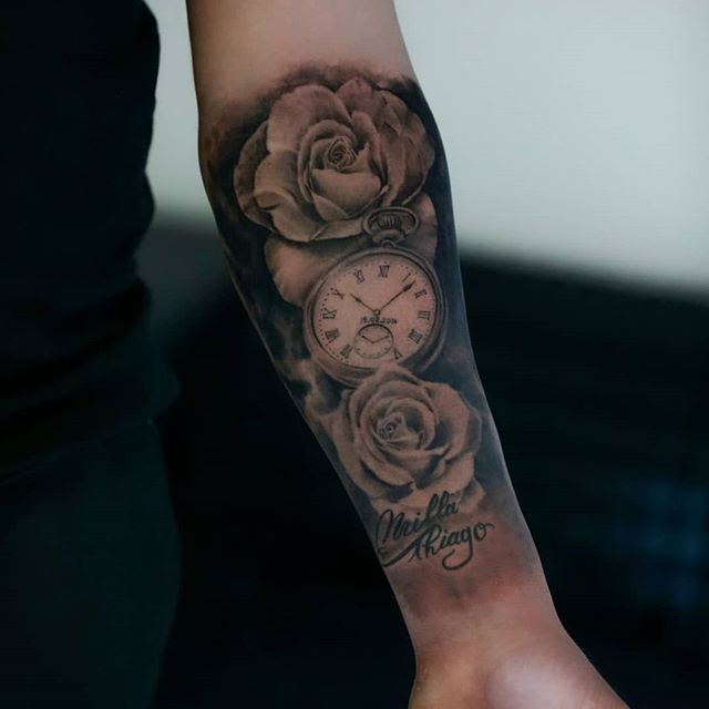 #rose #horloge #rosetattoo #time  #renne