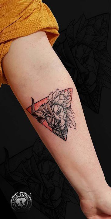 Geometric #tattoo #bishoprotary #worldfamousink #tatouagerennes #tatoueur #photo #tattooartist #tato