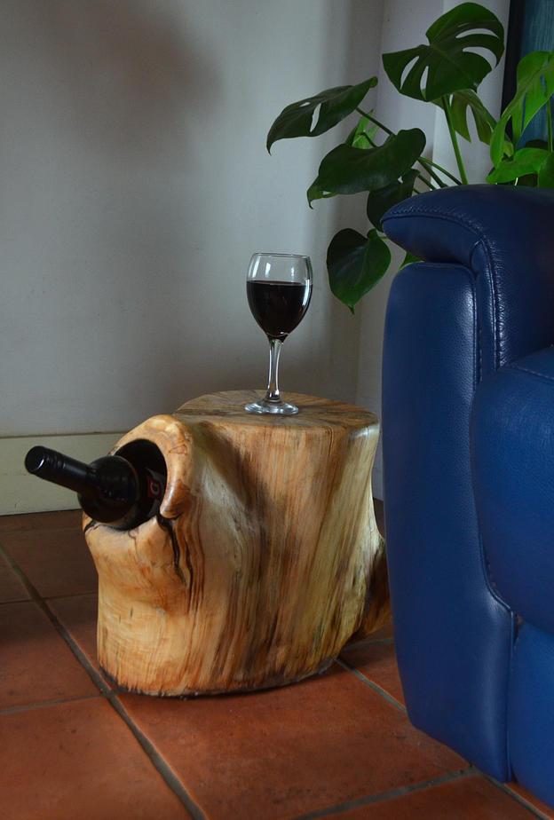 Willow side stump