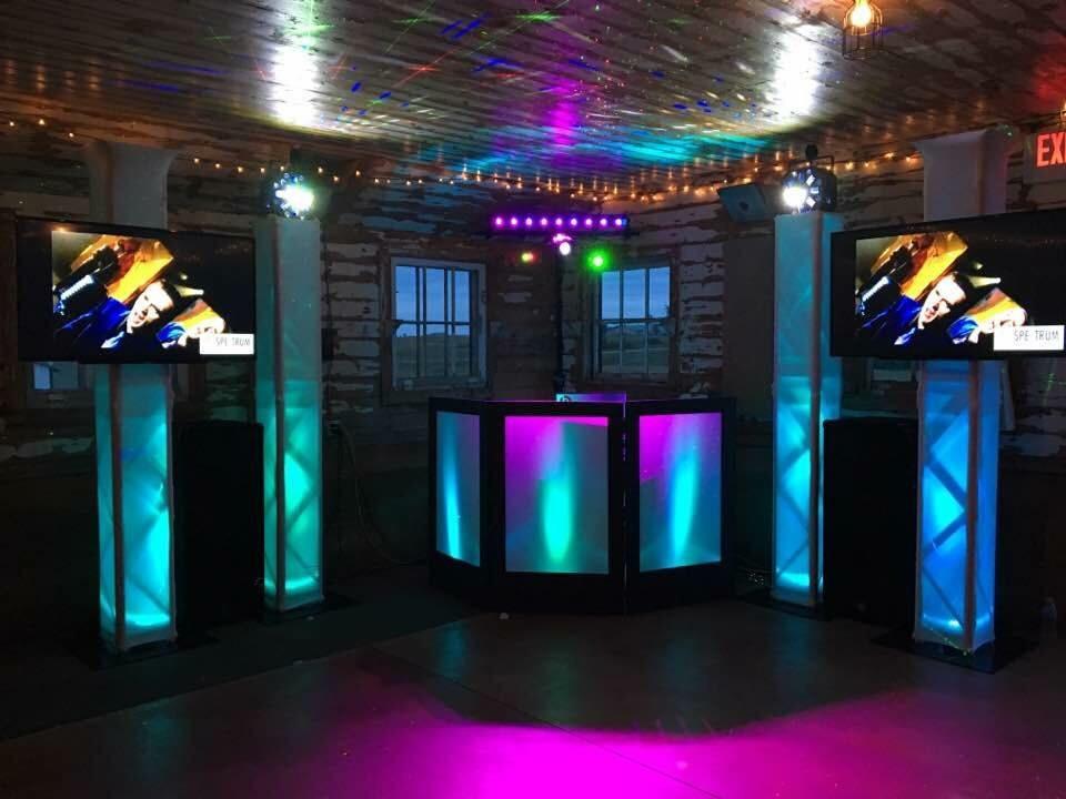 Walker MN DJ Trussing Set-up Firefly Event Barn Nevis MN