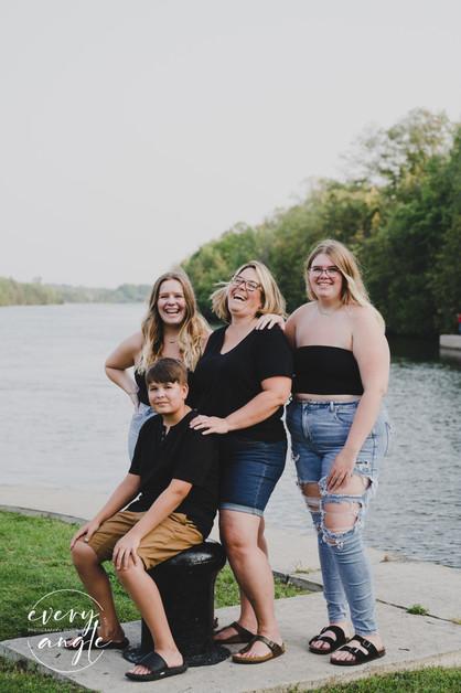 Carrie Stapley & Family-4.jpg