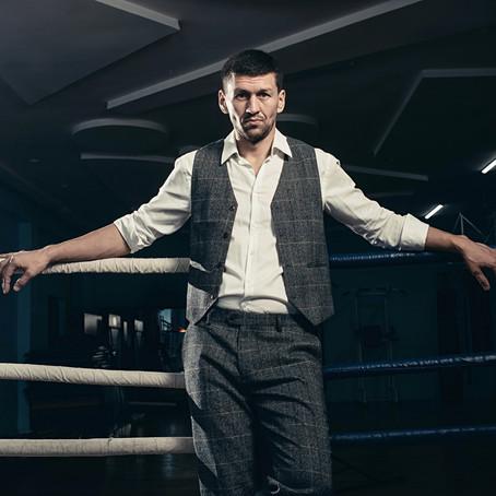 Иса Акбербаев. Профессиональный боксер.