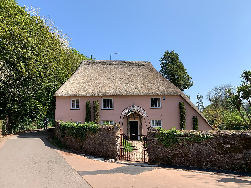 A thatched cottage in Cockington
