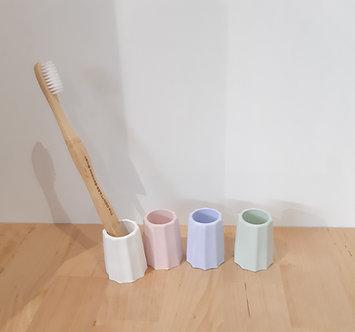 Diatomite toothbrush stand