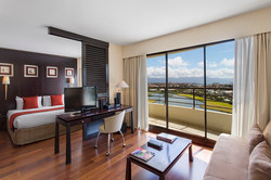 Superior Junior Suite - Ramada Plaza