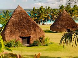 Traditional huts, Luecila © Ducandas