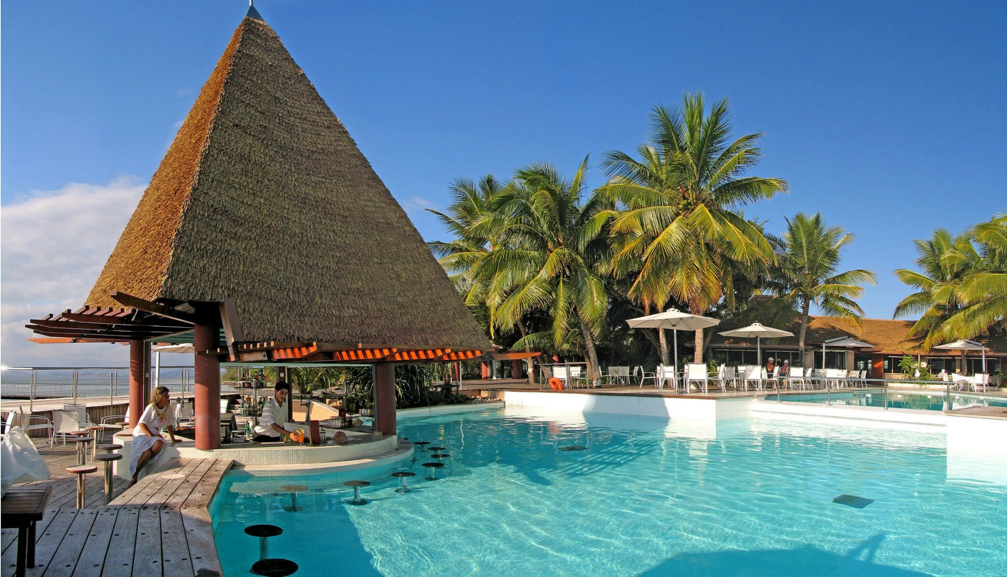 Escapade Island pool and bar