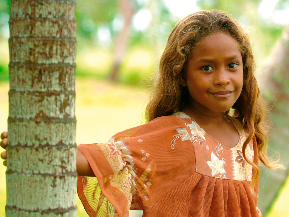Girl from Lifou © Éric Dell'Erba