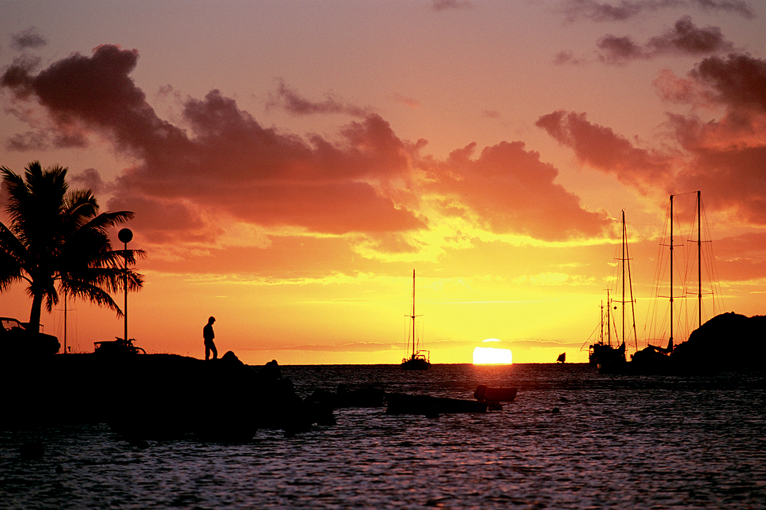 Sunset Over Water, Nouméa