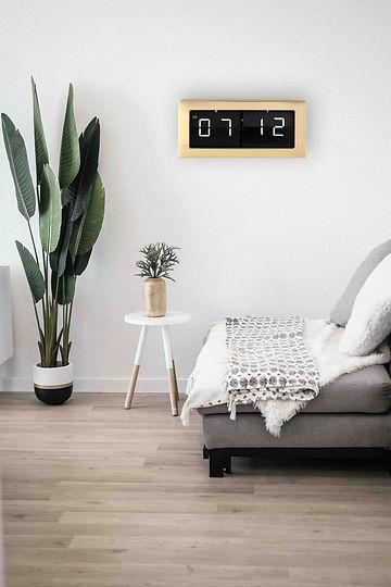Large Framed Flip Clock Scene Image HP01