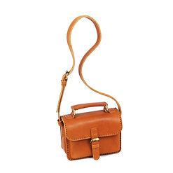 インドネシアで手作りのレザーバッグ, 革,