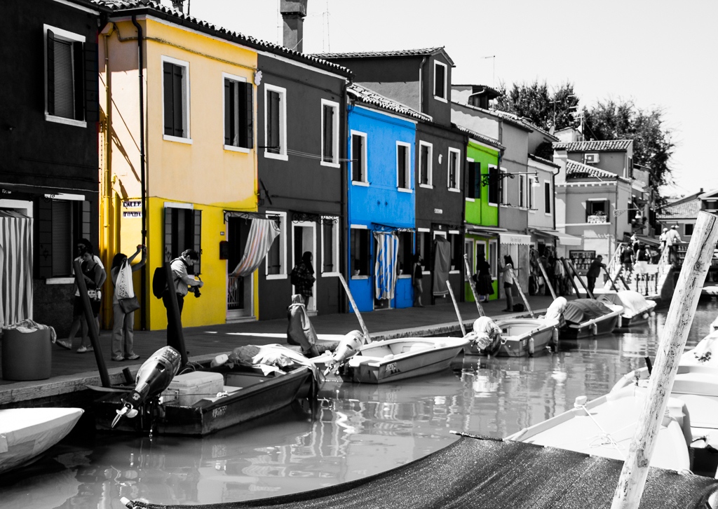 PASTEL COLOURS OF BURANO