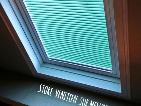 Installation d'un store vénitien pour fenêtre de toit