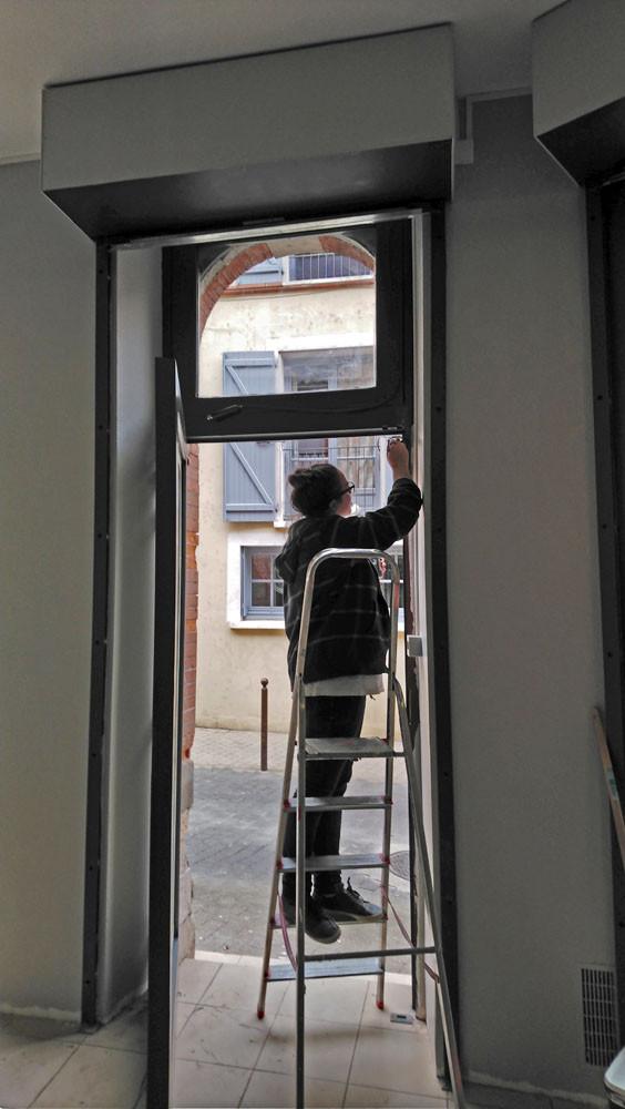 peinture de la porte d'entrée de CR&Cie