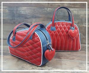 Cuir Bleu Jean et Rouge pour nouveaux sacs en boutique