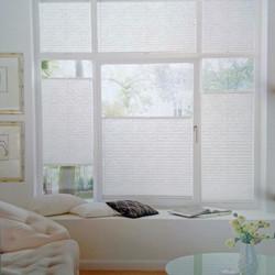 Combinaison de stores plissés pour fenêtre à impost