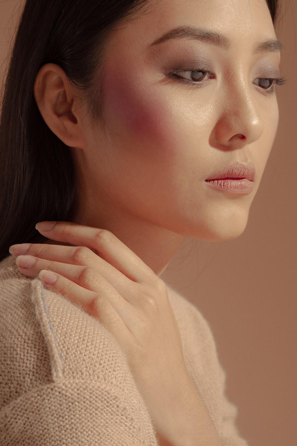 Photo: Artu Nepomuceno Stylist: Sophia Concordia Model: Elliah Ungson