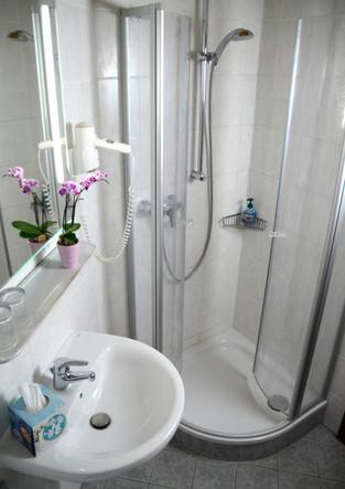 badezimmer_dusche_2.jpg