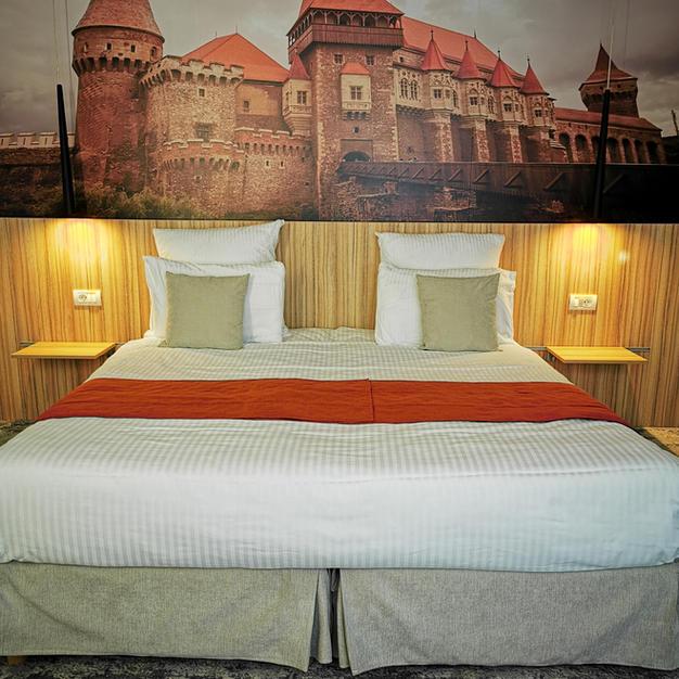 Corvins Castle Room