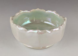 41 Lustered facetted small bowl side vie