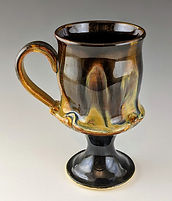5 Pedestal Mug Handle to the left.jpg