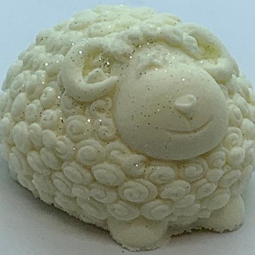 Gardenia 6 oz Sheep Bath Bomb Fizzie