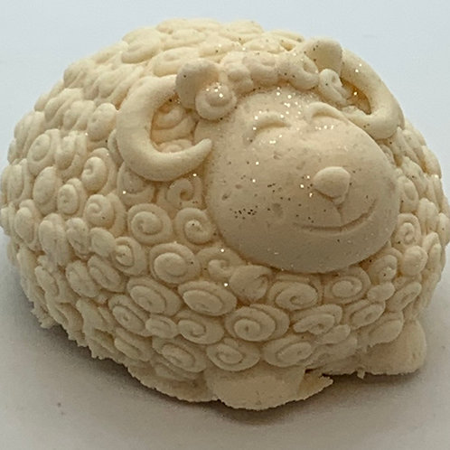 Vanilla 6 oz Sheep Bath Bomb Fizzie