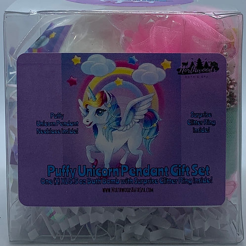 Puffy Unicorn Pendant Necklace 5.5 oz Bath Bomb Gift Set (Green/Hugs)