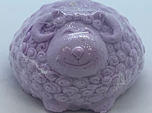 Lavender Vanilla 6 oz Sheep Bath Bomb Fizzie