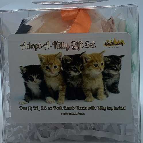 "Adopt-A-Kitty ""Garfield"" 5.5 oz Bath Bomb Gift Set (Clementine)"