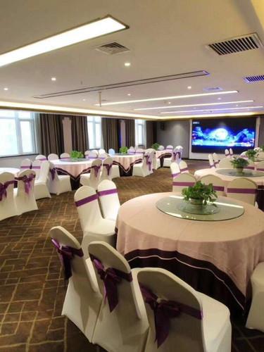 Food Hall Upgraded Hotel